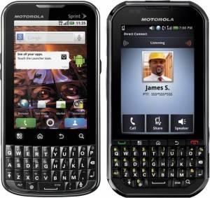 Motorola presentó dos nuevos smartphones Android para el segmento empresarial
