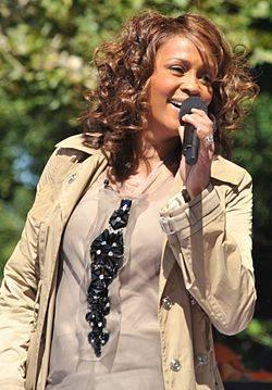 Whitney Houston fallece el 11 de febrero.